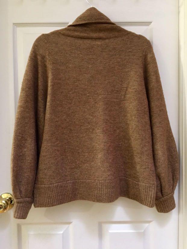 Aritzia Adichie sweater
