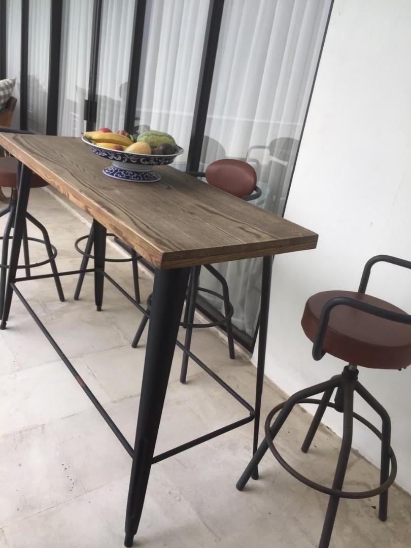 Bar table dan chair