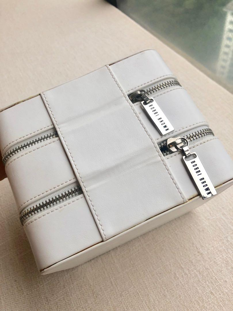 BOBBI BROWN Make Up Case & Beauty Set x 18 pcs 化妝箱