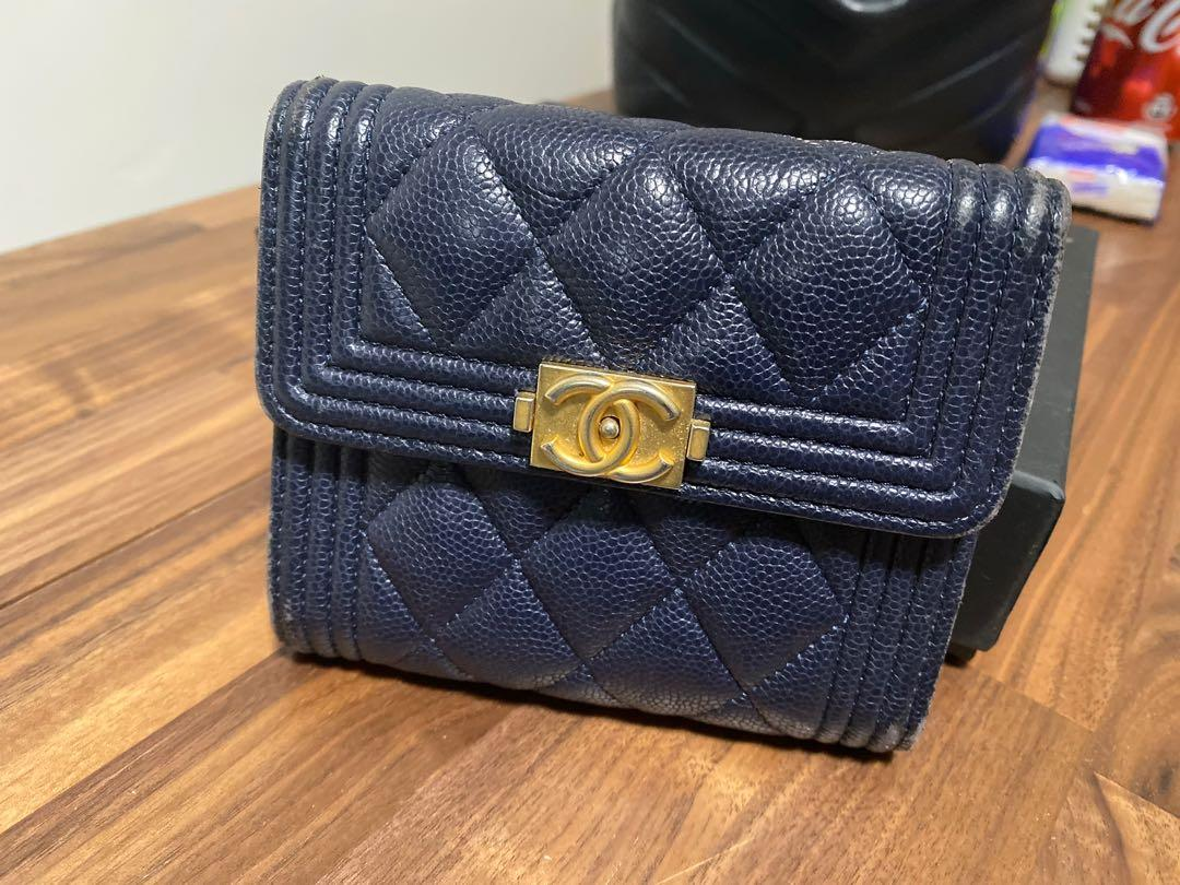 Chanel Boy短深藍色銀包 跟原裝盒塵袋咭 有單 購自專門店