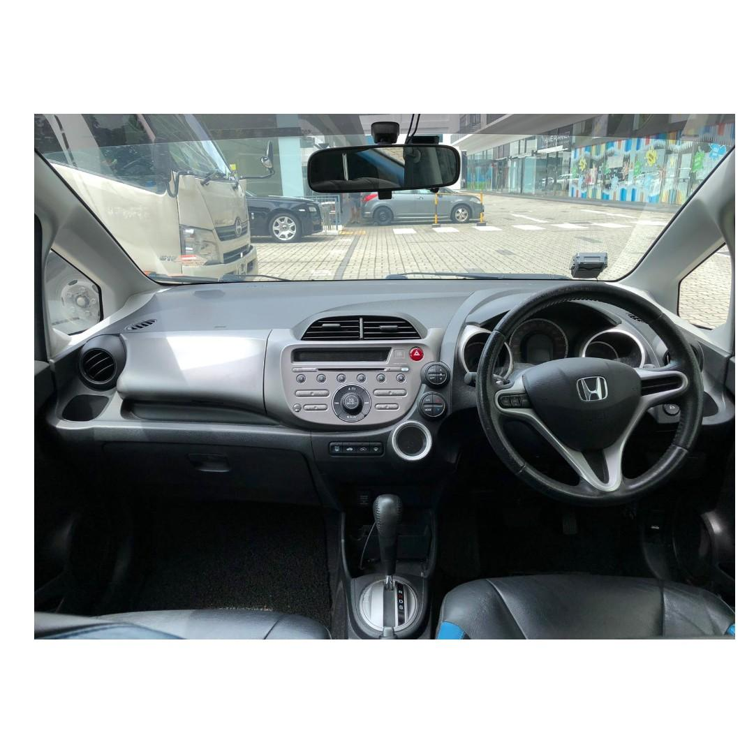 Honda Jazz 1.4A - Down $500 and drive off! Whatsapp 90290978 now!!!