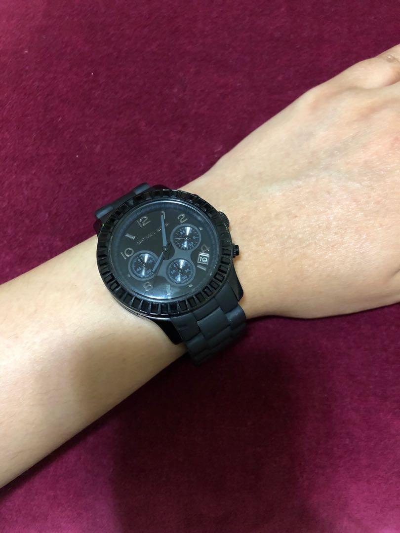 Michael Kors Runway Chronograph Black Unisex Watch⏰