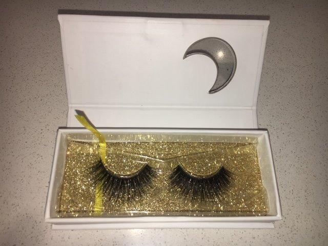 PRICE REDUCED: 6 x Supanova silk eye lashes NEW rrp $12.99 each