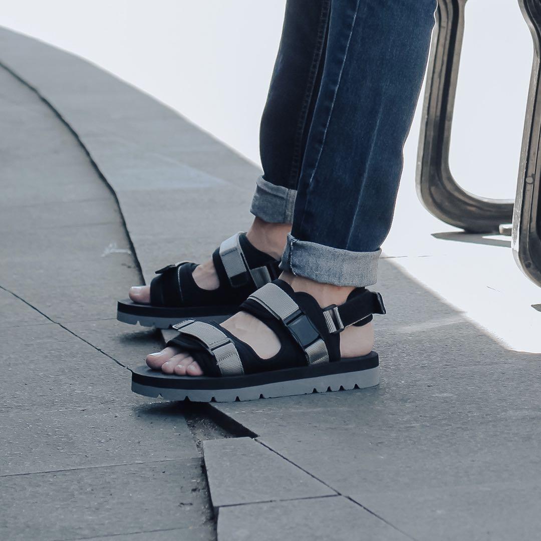 Sandal gunung / sandal cowok