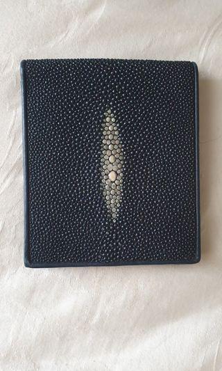 泰國珍珠魚皮短夾