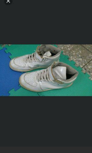 ♥全白亮皮高筒休閒鞋