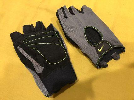 Nike訓練手套 男版M號