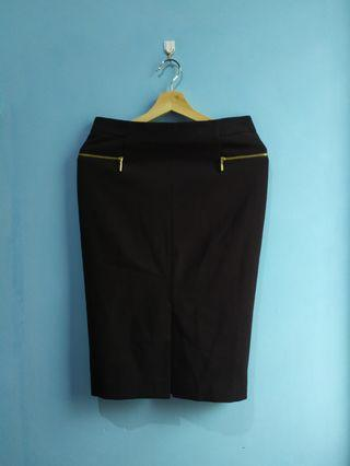 SALE H&M Skirt Fit to L