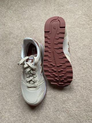 New Balance 311 Sneaker|size 6.5