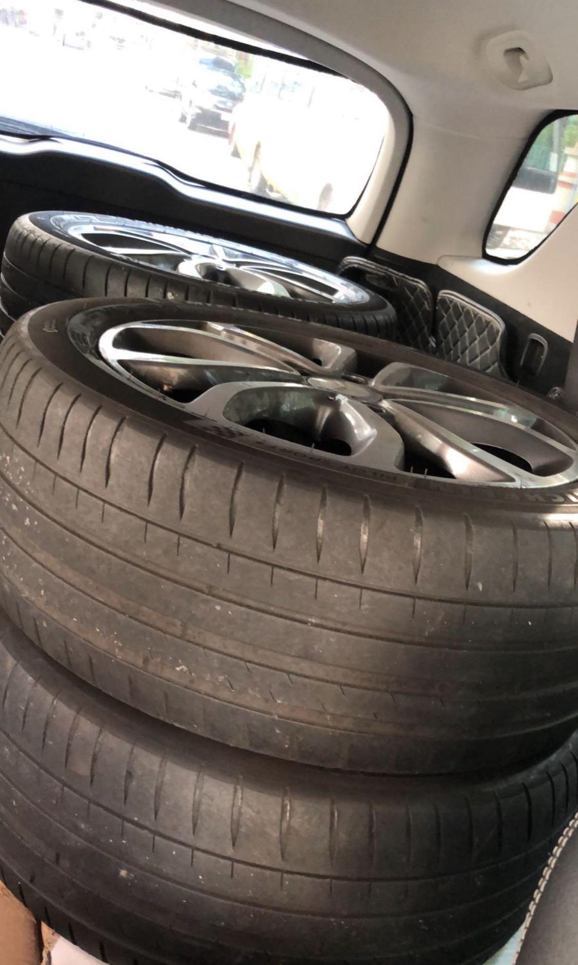 車軨連軚 Benz C class 18年 米仔PS4