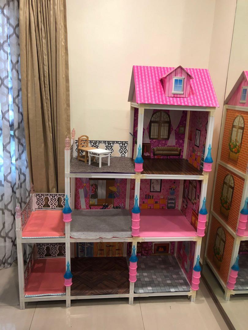 Barbie Doll House / doll house
