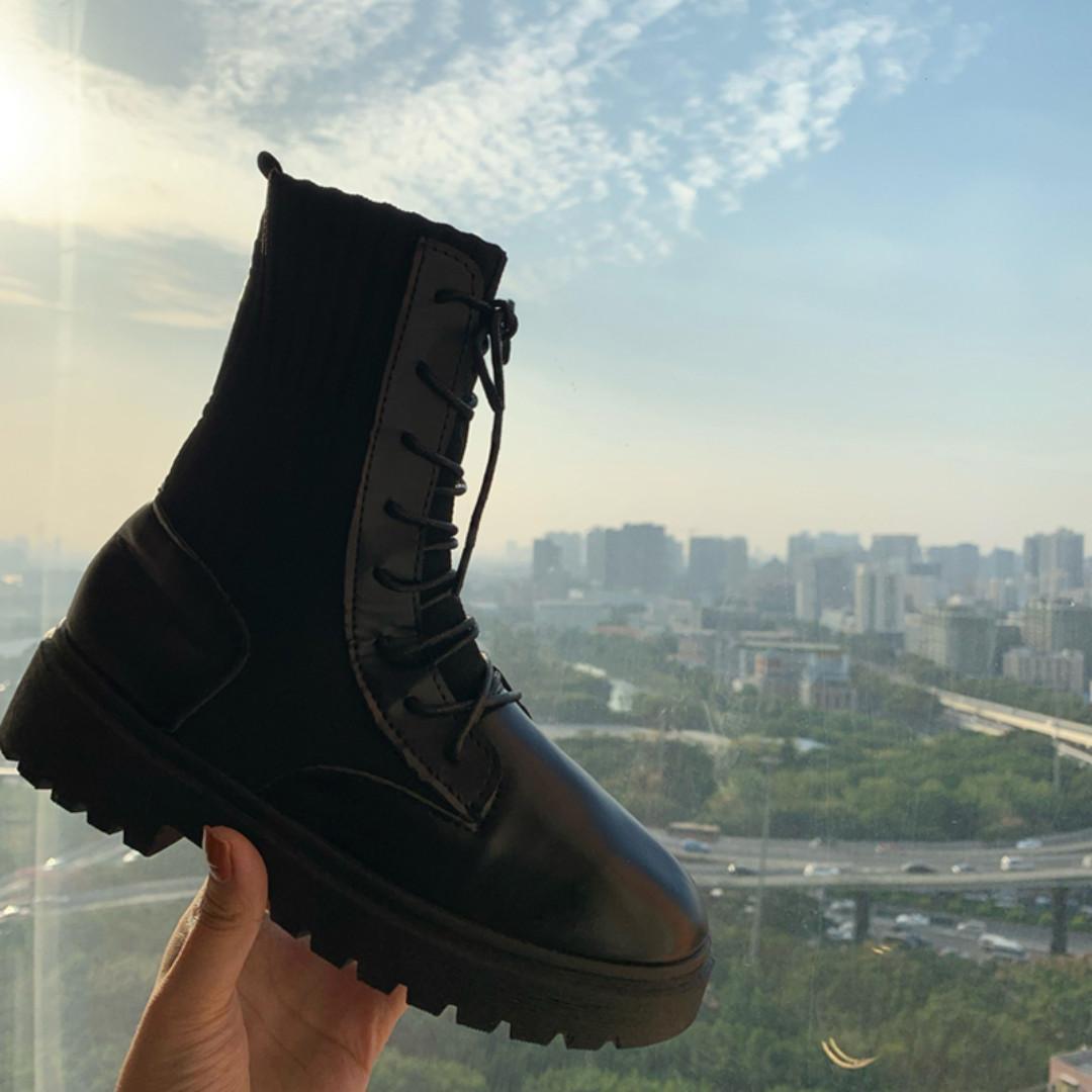 BD184 (全新) 女裝 英倫風針織拼接馬丁靴加絨百搭黑色中筒靴女