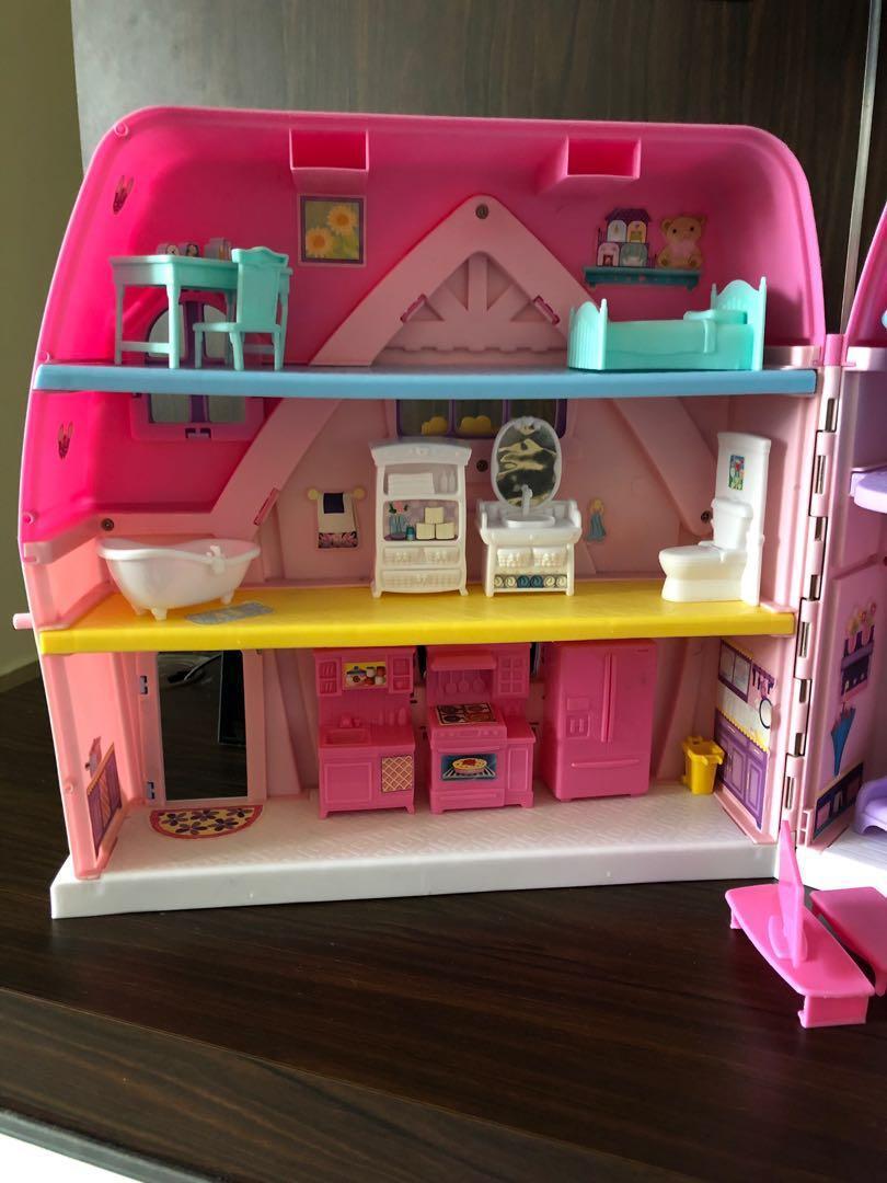 Doll House / dollhouse / small doll house