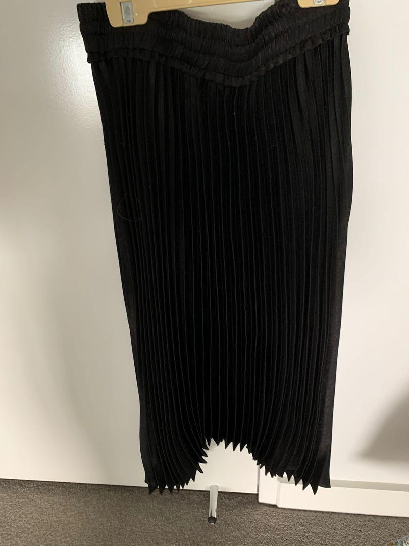 Forever New Black Pleated Skirt - New Tags attached