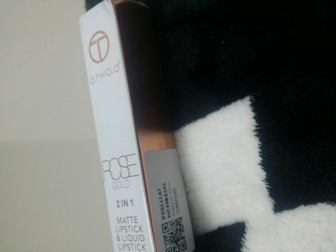Free postage Matte lipstik n liquid lipstik 2 in 1