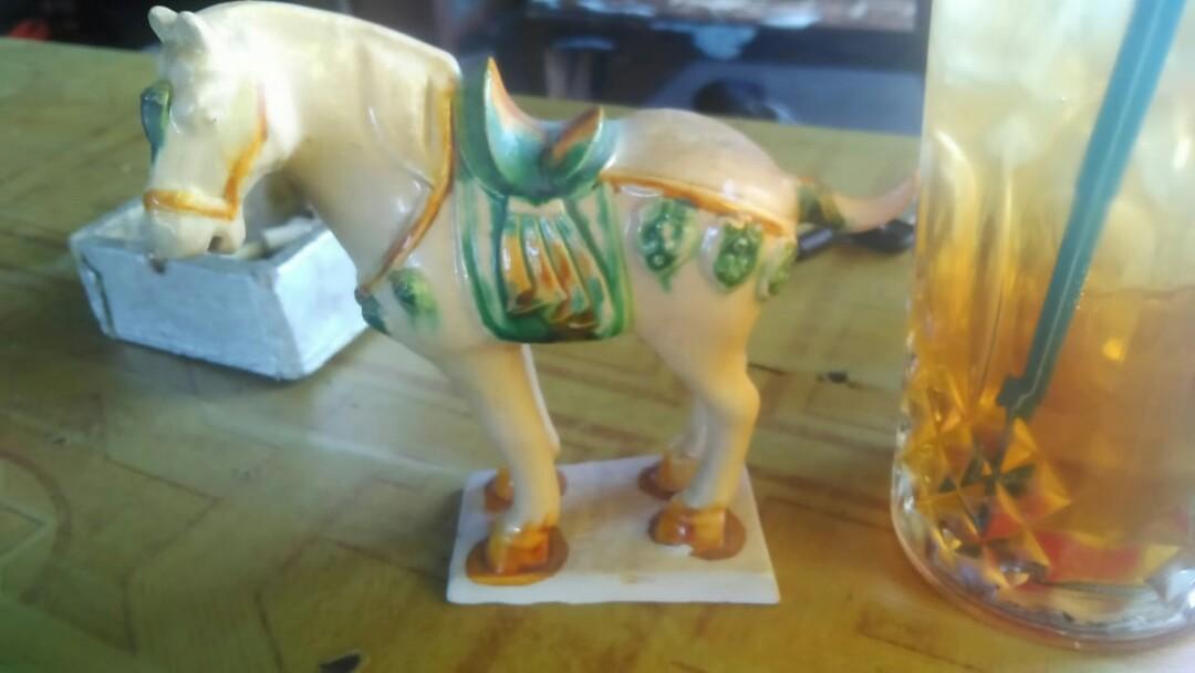 Free ongkir Pajangan kuda keramik