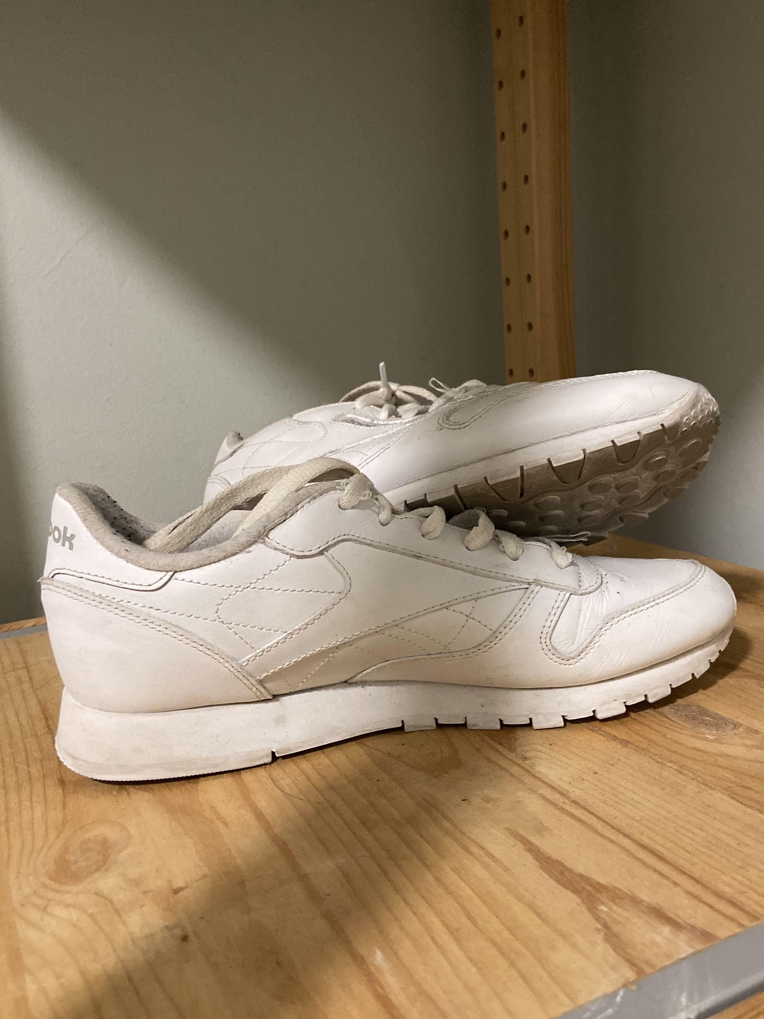 Reebok Classic Leather White on White Sneaker Runner Shoes Size 9