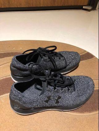 Under amour 運動鞋 40號 41號 25.5號可穿