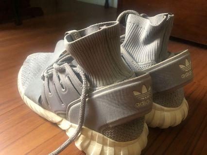 adidas originals 襪套灰