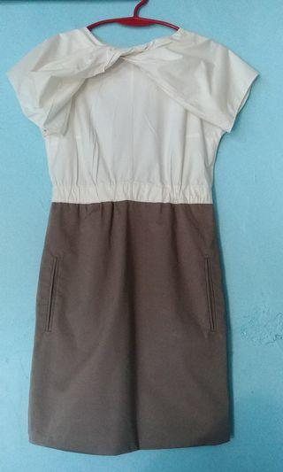 Carven Garterized waist dress with bow