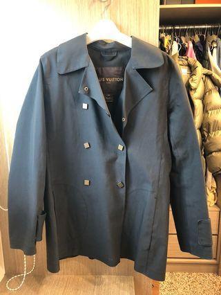 二手正品LV大衣~附原廠套袋(防潑水材質)有試穿圖,女人一輩子都要有一件高級風衣❤️🍀誠可小議