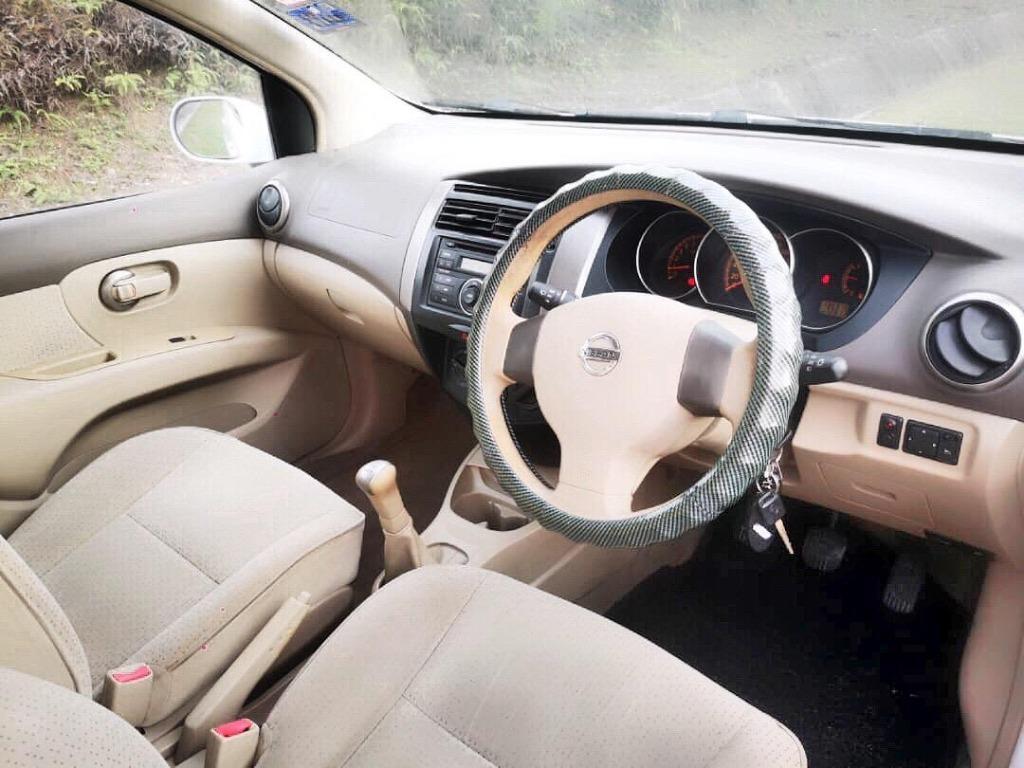 2010 Nissan GRAND LIVINA 1.6 (M) B/L LOAN KEDAI DP 3K