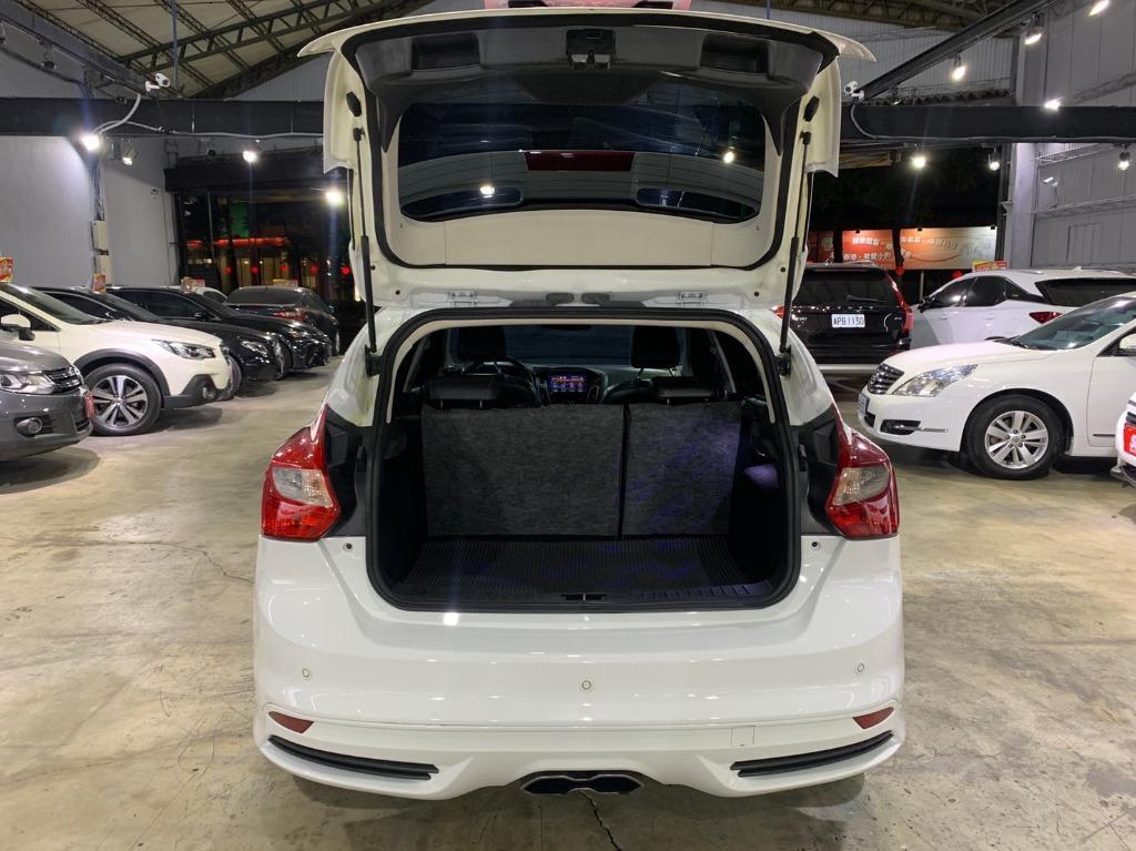 正2015年 最新款五門掀背Ford Focus 2.0TDCI   保證全台最低價
