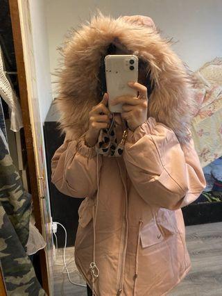 毛超澎的外套