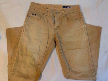 卡及色牛仔直筒褲
