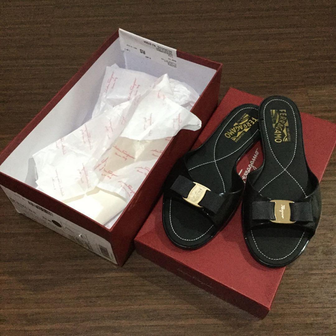authentic salvatore ferragamo bermuda sandal 8M