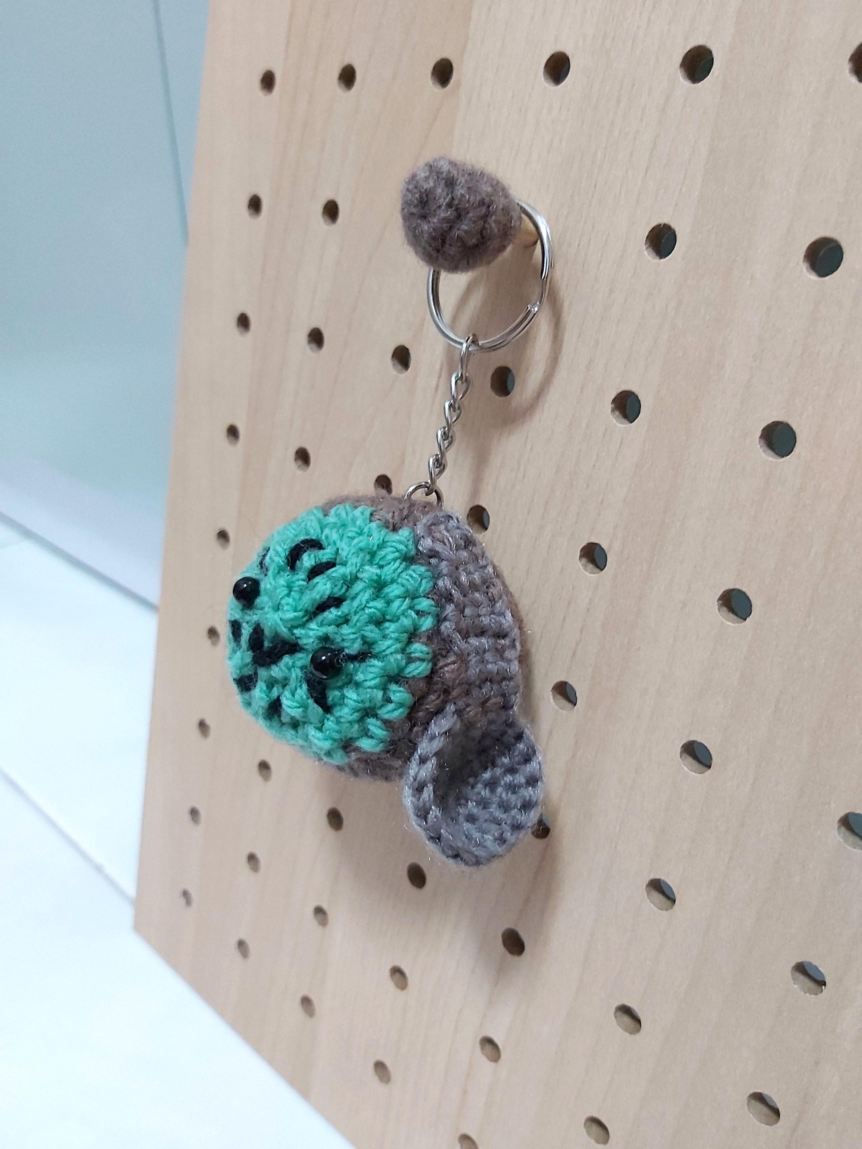 Kawaii Heart Keychain • Spin a Yarn Crochet | 4032x3024