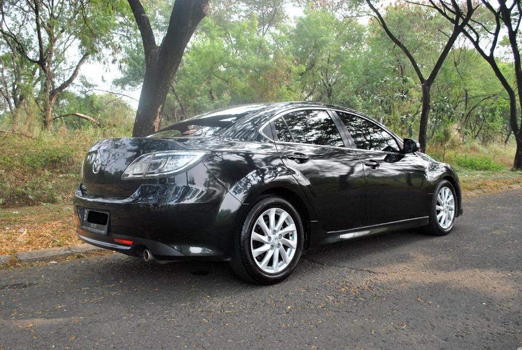 Mazda 6 AT 2.5L 2010 Warna Hitam metalik, sangat istimewah