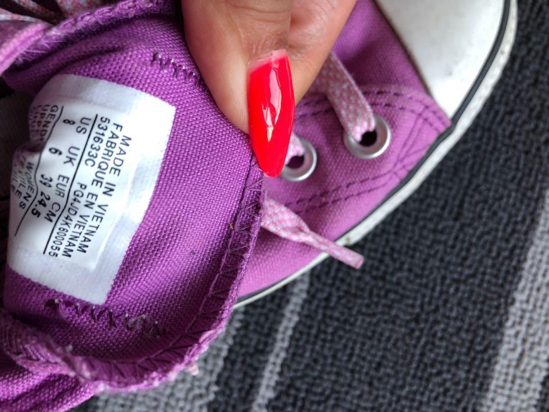 Pink Converse size 8