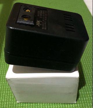 電壓轉換器
