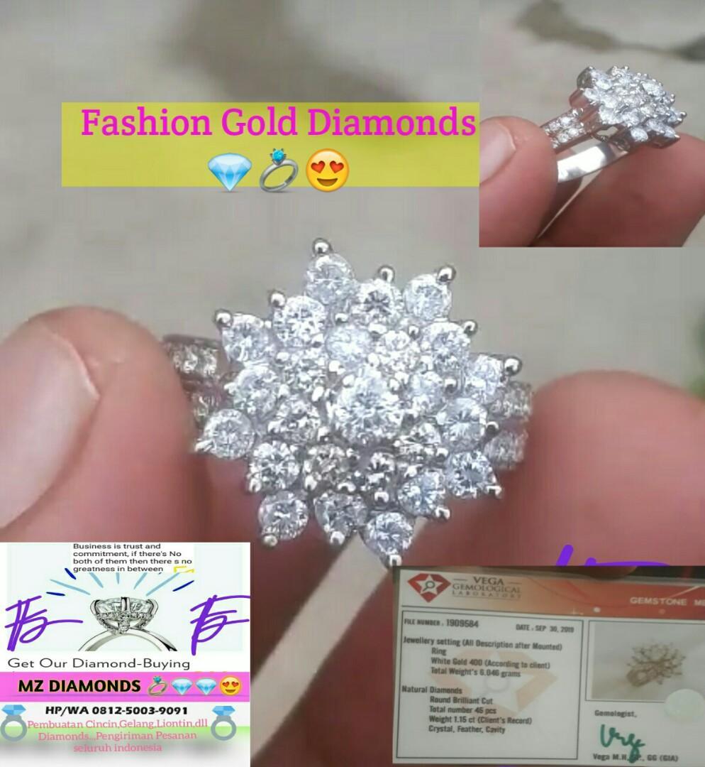 Big Lotus Fashion Gold Diamonds