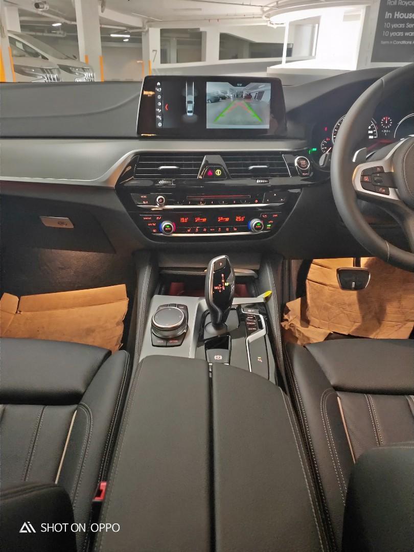 BMW 520i Sedan Auto with VERY HIGH OPTIONS