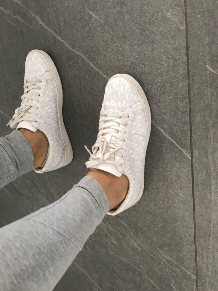 Michael Kors Sz 38eur (8US) 7 uk women sneakers shoes vgc as new white