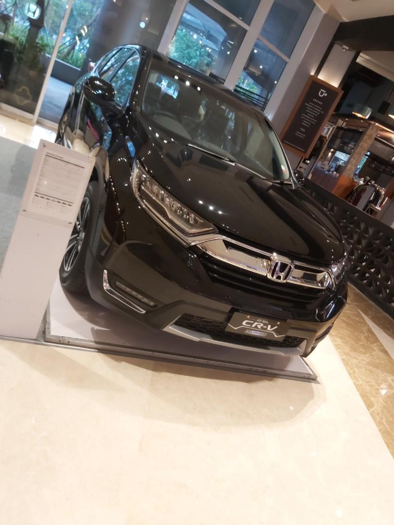 New honda Crv 1.5 turbo prestige free oli 4 dan service  tahun hingga 50 rb km o