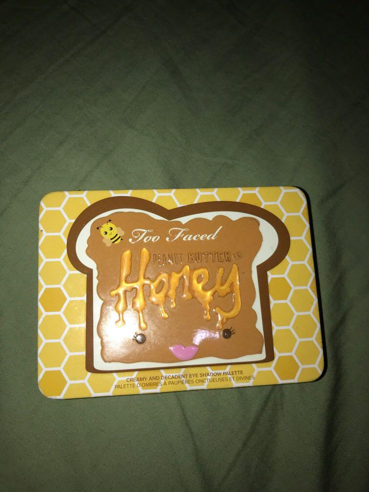 Too Faced Peanut Butter Honey Eyeshadow Palette