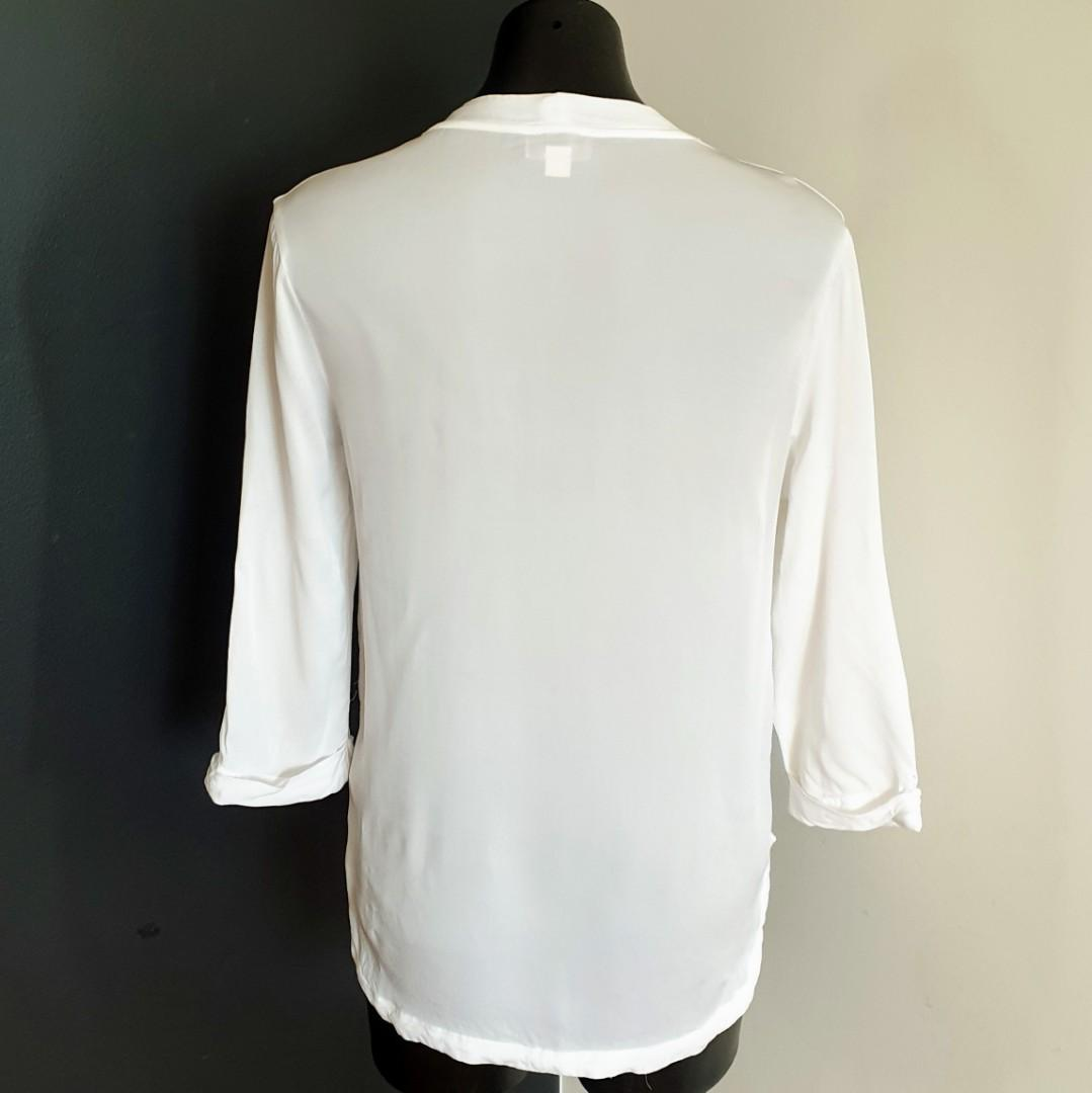 Women's size 8 'WITCHERY' Gorgeous white overlapping viscose blouse- AS NEW