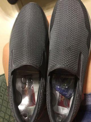 Air cooled memory foam sneakers
