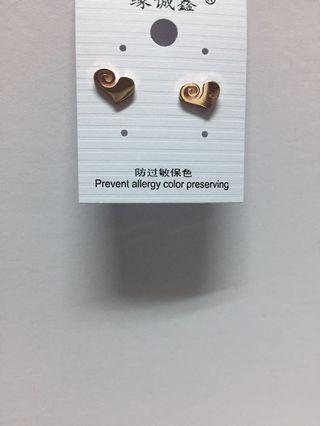 通體鈦鋼愛心貼耳耳環