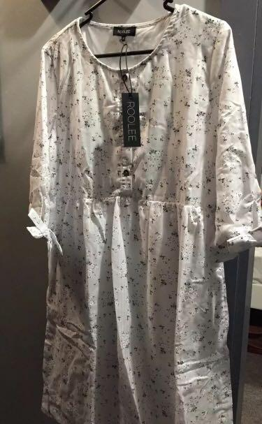 Roolee floral dress- Size M - 10. Condition is New