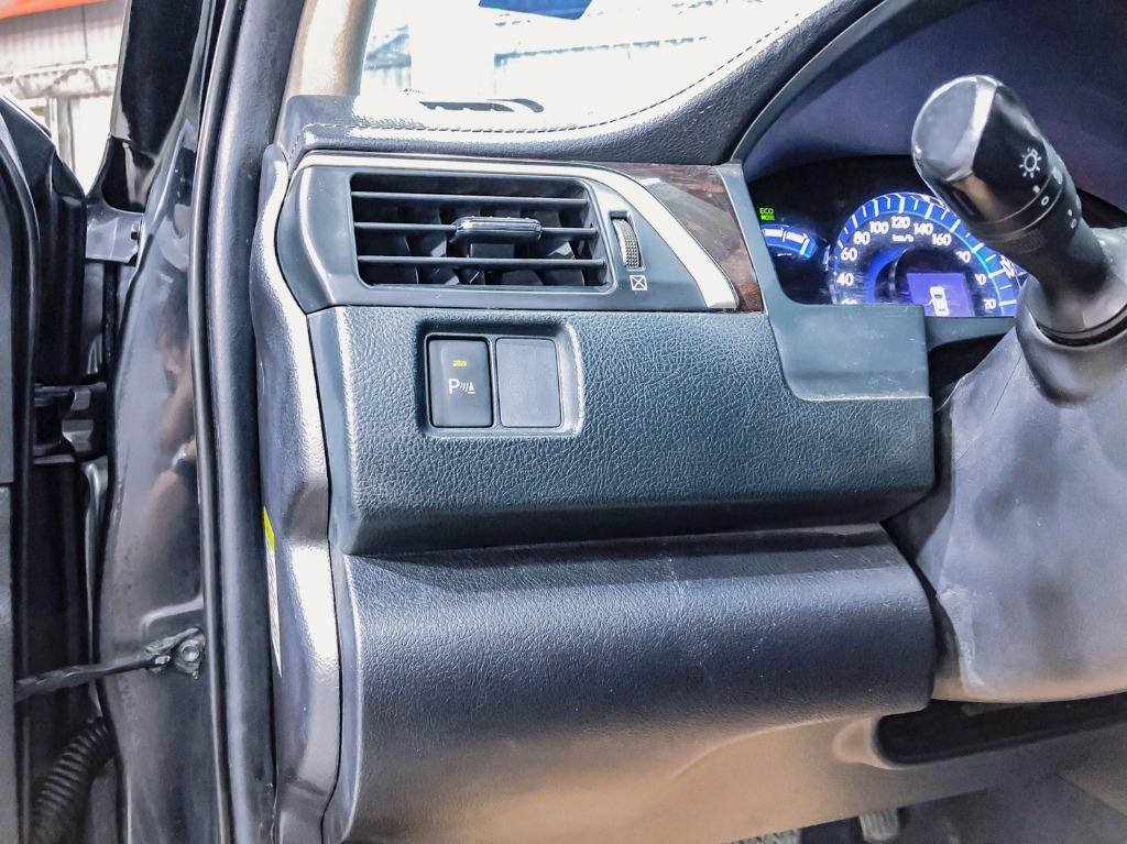 新款Toyota Camry Hybrid 2.5G總裁黑油電車