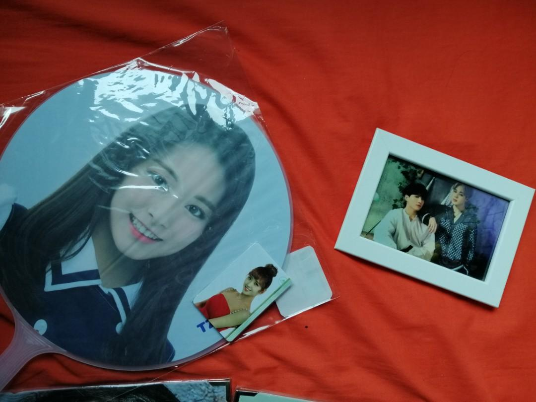 [WTS] UNOFFICIAL BTS JUNGKOOK PREMIUM PHOTO AND TWICE TZUYU PHOTO PICKET