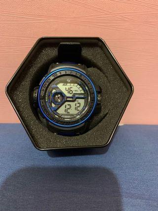 電子手錶 (附盒子)