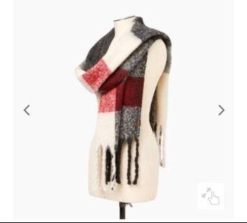 Roots Cabin Fluff Scarf (BNWT)