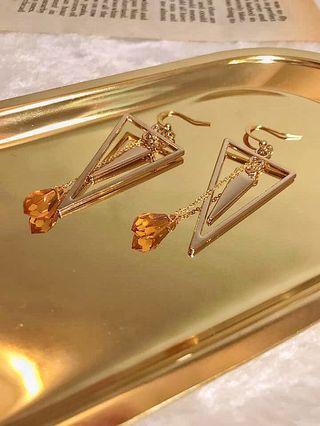 特色三角施華洛世奇水晶耳環