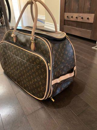 Lv carry on bag. In a great condition.  Asking $150