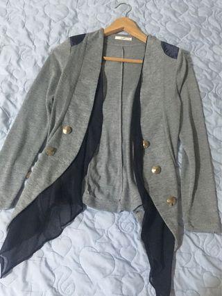 灰色長棉造型外套